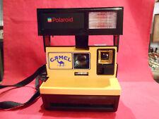 Original Polaroid-Camel 600 Gelb mit Blitz mit Riemen