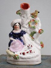 Un superbo in miniatura c19th Antico Staffordshire fuoriuscita vaso, Cameriera, Spaniel & Bird