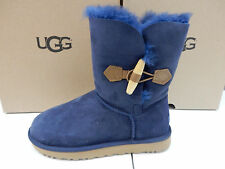 UGG WOMENS BOOTS KEELY NAVY SIZE 9