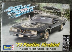 Revell Smokey and the Bandit 77 Pontiac Firebird Sealed Model Kit