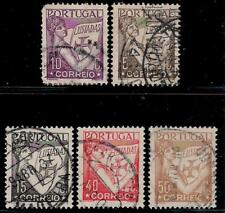 PORTUGAL 1931 - 1938 Old Stamps - Portugal Holding Volume of Lusiads