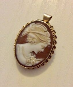 Beautiful Ladies Vintage Solid 9CT Gold Cameo Pendant / Brooch - High Quality