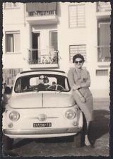 YZ7798 Automobile Fiat 500 Abgestellte - 1963 Fotografie Old-Time - Vintage Foto