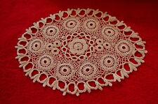 Napperon beige  Ancien Brodé dentelle crochet