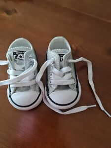 BABY GIRLS CONVERSE ALL STAR SILVER SPARKLE  SHOES SIZE 2 INFANT