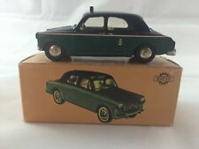Lancia Appia serie 3a Taxi green/black (1:45, Scottoy)