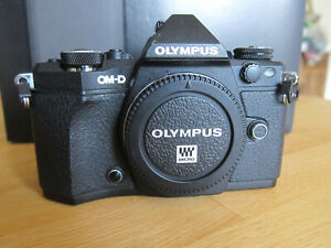 Olympus OM-D E-M5ii markii body only black immaculate boxed 5978 shutter