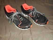 Girls Reebok Ziglite Black/Coral Shoes  Size 4 Used