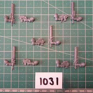 Space Wolves / Wolf, Bolt Pistol & Chainsword Arms x 5 - Warhammer 40k Bits