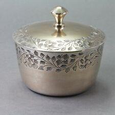 Boîte bonbonnière ou à bijoux en métal argenté XXème