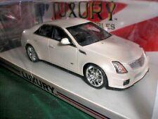Spark Luxury LC 101188 - 2011 Cadillac CTS-V White Diamond - 1:43 China