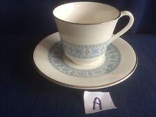 Royal Doulton contrappunto TEA CUP & SAUCER (lievi segni di usura per una dorati)