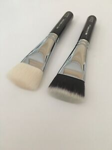 2X Zoeva 109 Face Brushes Synthetic & Goat Hair With Pouch