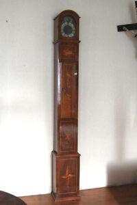 Uhr Standuhr Barock, datiert 1756, mit Vogel- und Wildmotiv, wohnfertig  * 2336