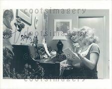 Sister Actresses Judy Landers & Audrey Landers at Piano Press Photo