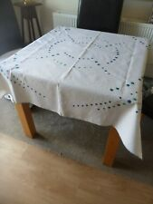 VINTAGE LINEN PRETTY TABLECLOTH 55 x 55 in / 139 cm BLUE GREEN CIRCLE EMBROIDERY