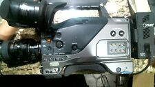 PANASONIC AG-DVC200P VIDEO CAMCORDER w/FUJI TV ZOOM LENS SNAP ON BATTERY PACK