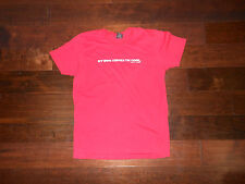 Preowned Men Women DAVID & GOLIATH My Mom Thinks I'm Cool T-Shirt Size L Red