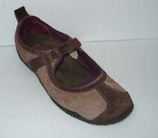 Merrell Women's Burgundy walking/ hiking Shoes size 8