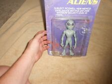 1996 THE ROSWELL ALIENS FIGURE NEW IN PACKAGE
