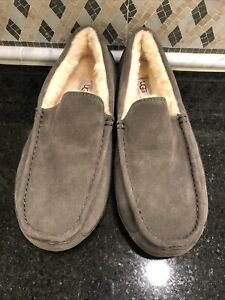 Men's UGG Charcoal  Ascot Slippers- size 11- #1101110