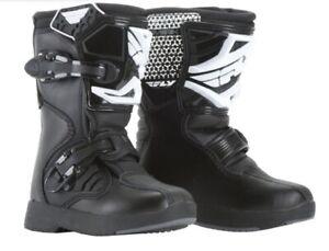 "FLY ""MAVERIK"" MOTOCROSS BOOTS OFFROAD MX ATV - BLACK/WHITE PICK **CHILD** SIZE"