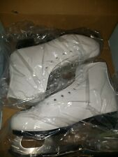 Women's Ice Skates size 9 -  American Athletic Shoe Tricot Lined Padded WHITE