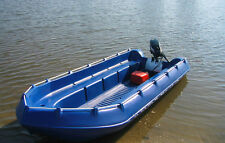 Sportboot Whaly 435 blau mit Mercury Außenbordmotor F 20 MLH