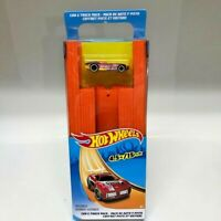 HOT WHEELS Car And Track Pack 15 ft. of Track & 1 Vehicle NEW NIP