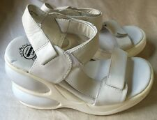 Jeffrey Campbell Walk Tall Platform Wedge Sandal White Leather 6/36 *Defects*