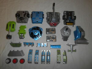 HEXBUG BattleBots Lot ~ 4 Bots 2 Remotes (All Working) Lots of Weapons Parts