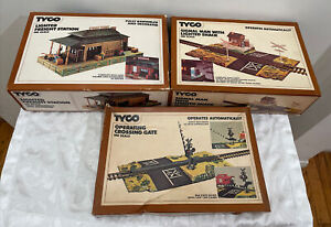 Lot of 3 TYCO KIT MACHINE SHOP 906 , 928 Operating Crossing Gate #908