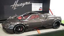 PAGANI  HUAYRA SALON GENEVE 2012 carbon fibre 1/18 BBR P1832CF voiture miniature