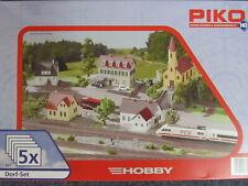PIKO 61925 - Spur H0 - Gebäude Set Dorf - 5 Bausätze - Kirche Hotel Bäcker etc.