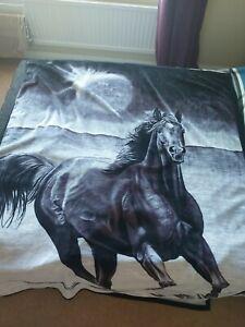 Large, Fleece Blanket With Horses On