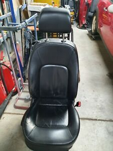 VW BEETLE CONVERTIBLE BLACK LEATHER SEATS FRONT AND REAR