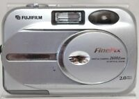 Genuine Fuji FinePix 2600 Zoom Digital Camera 2 megapixels 3x zoom lens | Faulty