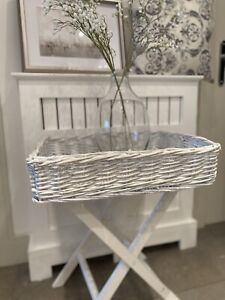 White Wash Wicker Tray Table Butlers Tray Bedside / Console Coffee Side Table