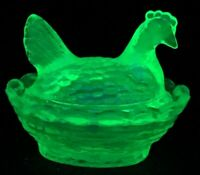 Boyd Art Glass Covered Rooster / Chick Salt  Vaselight  # 120  Made 7-9-1991