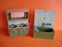 VINTAGE DOLLS HOUSE - 1970s LUNDBY AVOCADO BATHROOM DOUBLE BASIN & BATH UNITS