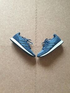 Adidas Forest Grove Trainer's Size 9