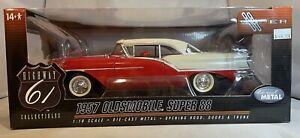 Highway 61 Collectibles 1:18 1957 Oldsmobile Super 88