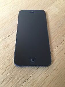 Apple iPhone 5 - 32GB - Black & Slate (Unlocked) Smartphone (MD299DN/A)