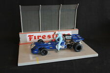 QSP Diorama 1:18 Starting grid with wall and high fence (Firestone)
