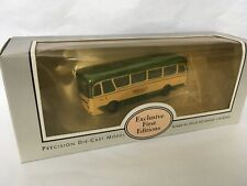 EFE 12301 Maidstone & District Harrington Grenadier Coach Boxed Scale 1:76