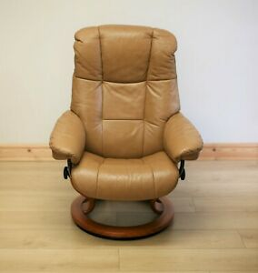 Ekornes Stressless Mayfair Tan Leather Armchair / Swivel Chair & Footstool.
