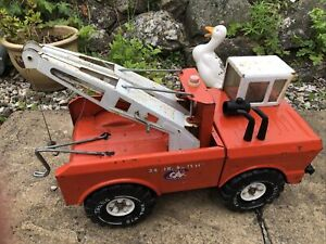Vintage Mighty Tonka Wrecker Orange Dual BoomTow Truck 1970s