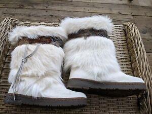 BEARPAW KOLA WHITE GOAT FUR SHEEPSKIN EXOTIC SNOW BOOTS SIZE 10
