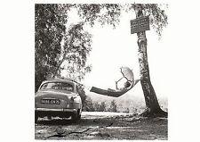 Tarjeta de arte: Robert Doisneau-Paulette Dubost posando para Simca en D. hamaca