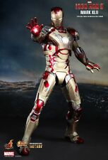 Hot Toys Iron Man 3 Mark XLII MK 42 DIE CAST MMS197 NEW! w/Battle Damaged Armor!